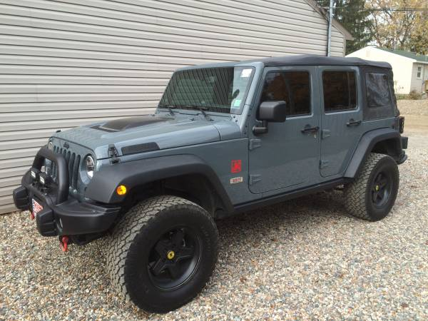 2014 jeep wrangler unlimited for sale in white lake michigan. Black Bedroom Furniture Sets. Home Design Ideas